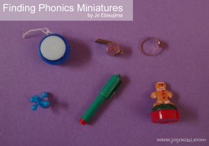 Kids love miniatures! Here's a great post on Finding Phonics Miniatures shared by Jo of JoJoEbi.com on MontessoriBloggersNetwork.com