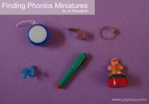 Kids love miniatures! Here's a great post on Finding Phonics Miniatures shared by Jo of JoJoEbi.com on MontessoriBloggersNetwork.com
